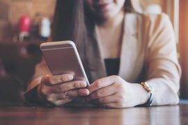 investing-apps-on-phone