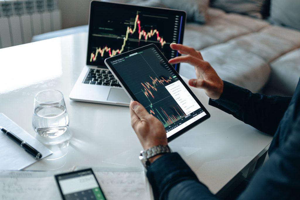 stock graph on laptop